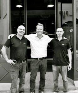 Søren Skydt-Nielsen flankeret af de 2 direktører fra Saladini - Giacomo og Leonardo Saladini
